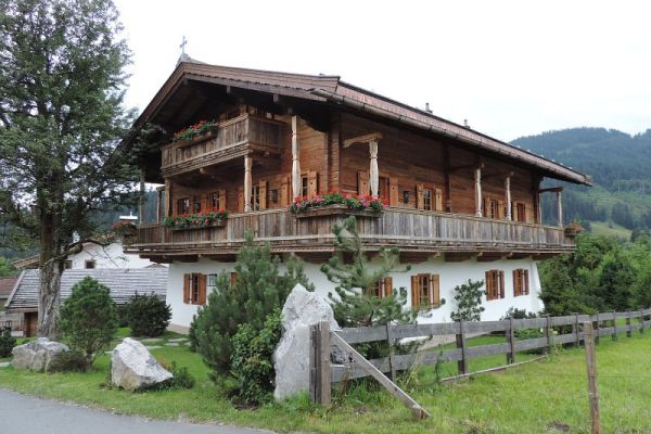 Tiroler Altholzhaus
