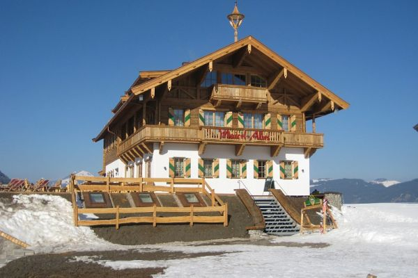 Skirestaurant in Altholzausführung